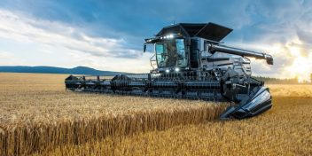 В Сеть слита новая информация о Farming Simulator 19 с фестиваля FarmCon